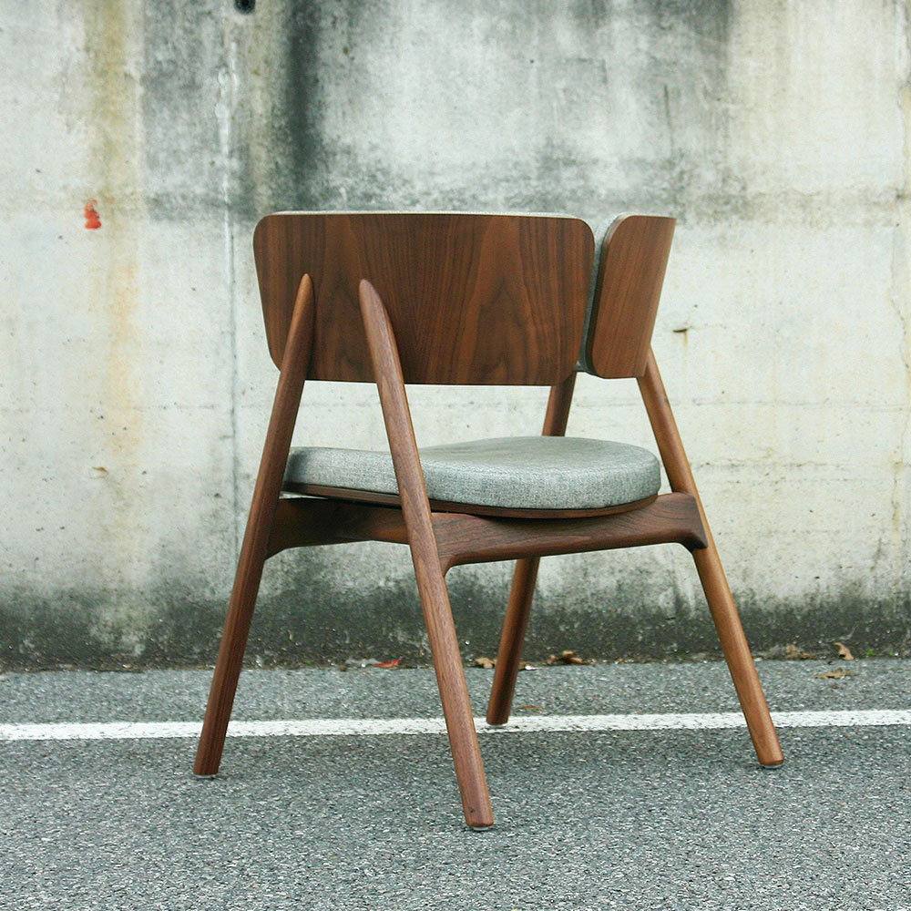 Wood-oo-chair
